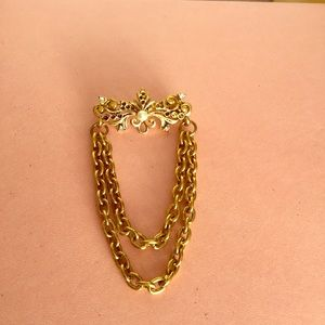 Stunning scarf pin vintage 90s or 80s gold tone